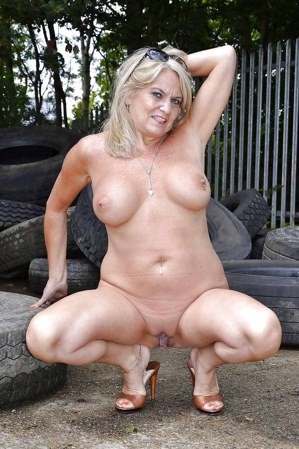 Gorgeous granny with old but still hot body 2