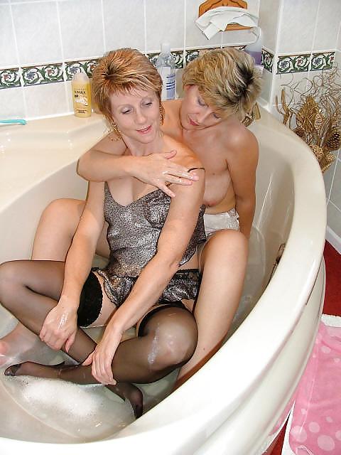 Mature Milf Pictures Bath 7