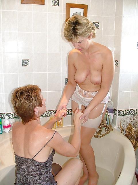 Mature Milf Pictures Bath 43
