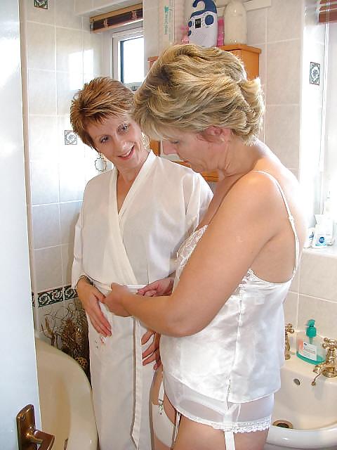 Mature Milf Pictures Bath 28